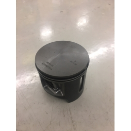 ARCTIC CAT 8000 CTEC2 PISTONS, NEW TAKE OUTS
